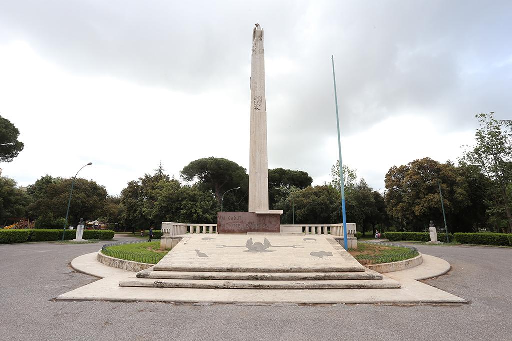 Monumento ai Caduti presso Parco pubblico Falcone e Borsellino (ex Arnaldo Mussolini)